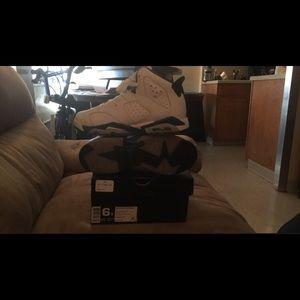 Size 6 white & blue Jordan's